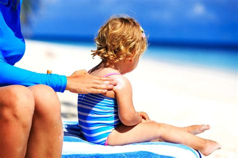 Single Person Needs How To Put Sunscreen On Your Own Back by Why And Adults Should Never Sunscreens Reader