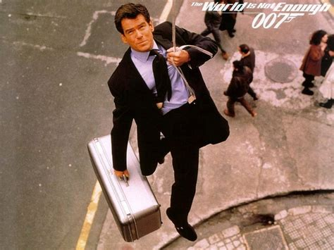 film james bond world is not enough the world is not enough james bond wallpaper 9614922