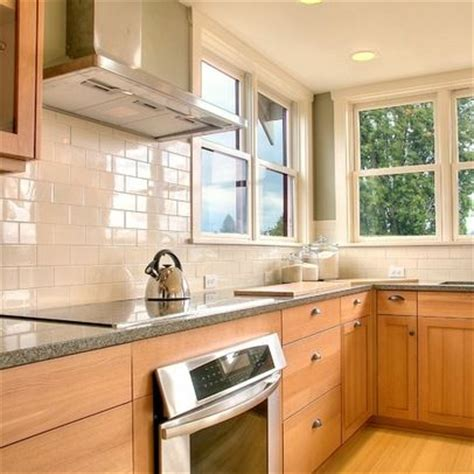 backsplash with maple cabinets subway tile maple cabinets white subway tile backsplash