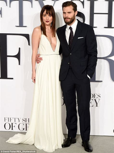 film fifty shades of grey zweiter teil dakota johnson and jamie dornan are not signed on for