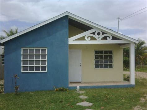 two bed room house in white for rent in st catherine