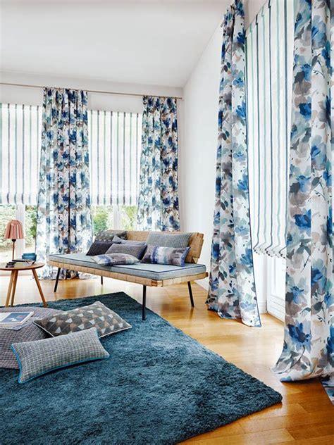 estor para salon estores de rayas y dobles cortinas de flores azul en el