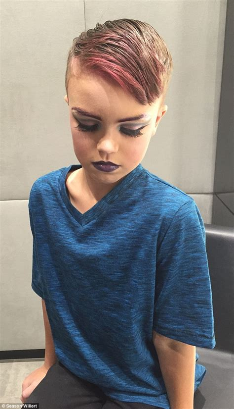 makeup artist does mom with birthmark s makeup video eight year old ethan wilwert learns how to do drag