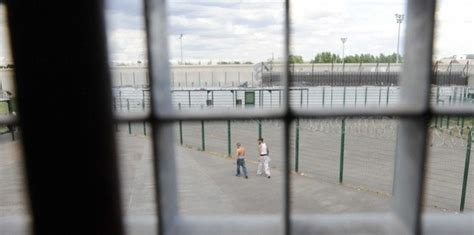 nanterre la famille de jamal mort en prison d 233 pose une plainte 9 f 233 vrier 2012 l obs