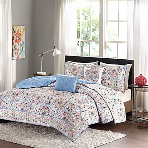 beige coverlet buy intelligent design zoe twin twin xl coverlet set in