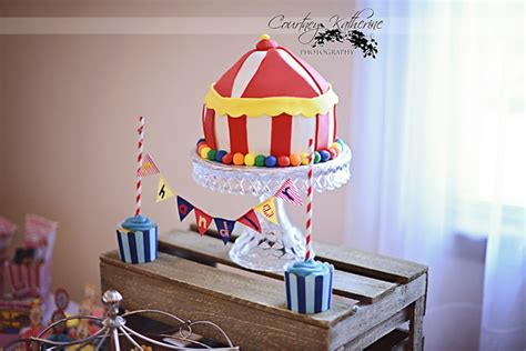 Circus Themed Baby Shower Cakes by Circus Themed Baby Shower Carnival