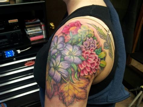how to start a sleeve tattoo the start of my floral half sleeve d tattoos