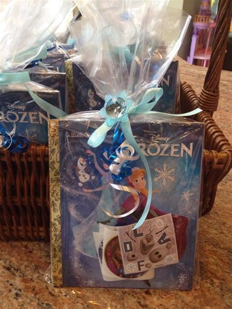 Frozen Party Giveaways - 25 best ideas about frozen party bags on pinterest frozen bag frozen gift bags and