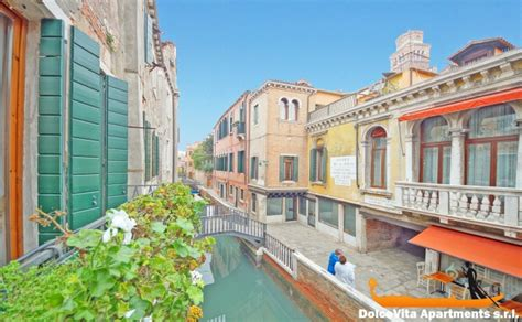 Appartments In Venice by Apartment In Venice Suite For 4 Canal View