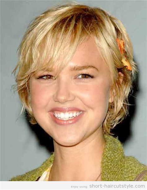 hairstyles for fat faces and double chins oval medium hairstyles for round faces with double chin via