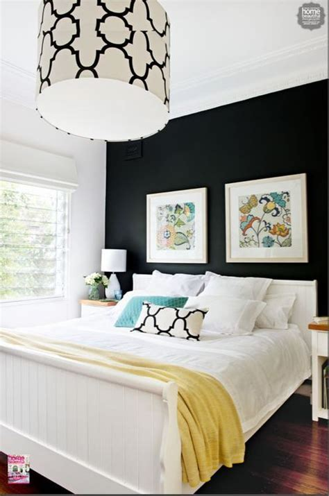 Black And White Bedroom Wall Design G
