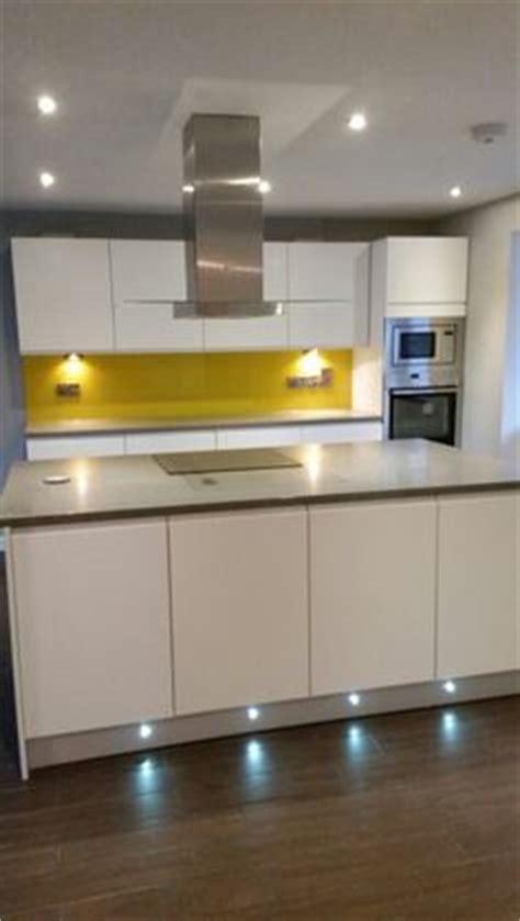 yellow splashback kitchen 1000 images about yellow glass splashbacks on