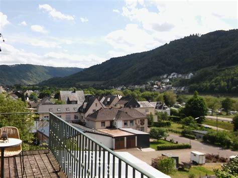 terrasse 1 stock ferienhaus zur spatzenburg mittelmosel frau annegret braun