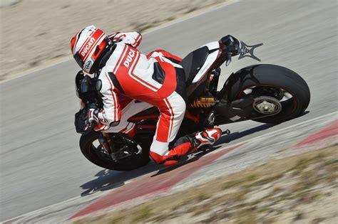 Motorrad Test Ducati Hypermotard by Ducati Hypermotard Familie 2016 Test Motorrad Fotos