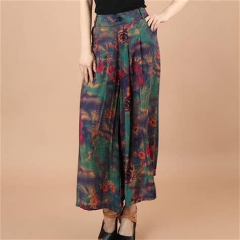 Celana Kulot Model Terbaru Katun B30417003mot5mrh Bawahan Batik Lucu aneka model celana kulot motif batik terbaru untuk remaja