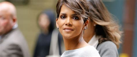harry berry hairstyle halle berry s daughter prayed every night for over a year