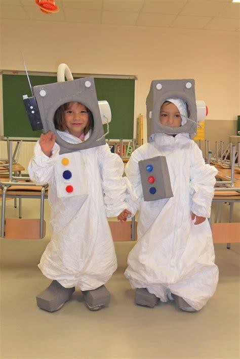 astronauta de material reciclado como hacer un traje de astronauta imagui
