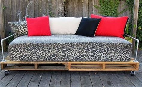 6 amazing diy pallet daybed designs pallets designs 6 amazing diy pallet daybed designs pallets designs