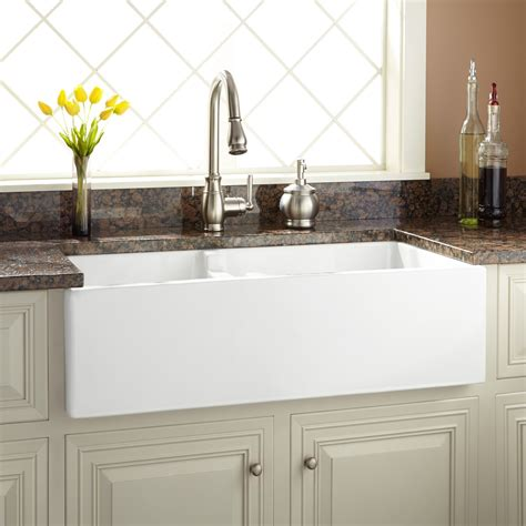 pictures of farmhouse sinks 36 quot risinger 60 40 offset bowl fireclay farmhouse