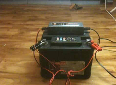Motorrad Batterie Rot Plus tipps autobatterie aufladen autobatterie wieder aufladen