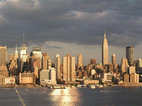 manhattan skyline manhattan nyc skyline wallpaper 2560x1920 21650