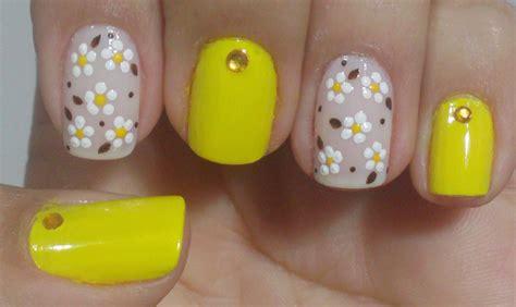 imagenes de uñas decoradas de 2015 unhas decoradas com flores para a primavera manual bela e