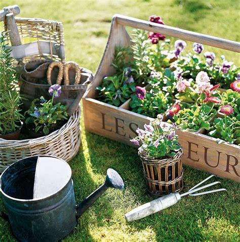 terrazzo fai da te decorare balcone i colori dell estate per un oasi di