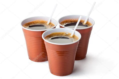 tres vasos vending de pl 225 stico llenados de caf 233 foto de