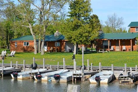Cabin Resorts In Michigan by Papins Log Cabin Resort Drummond Island Mi Resort
