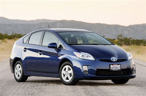 how petrol cars work 2010 toyota prius auto manual mpg ratings of toyota prius and its main competitors