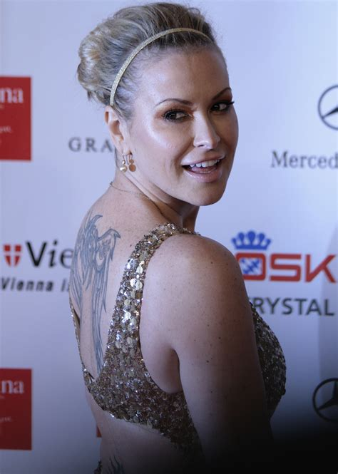 file anastacia women s world awards 2009 c jpg