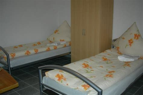 wohnung königsbrück unterkunft appartement ka wohnung in karlsruhe gloveler