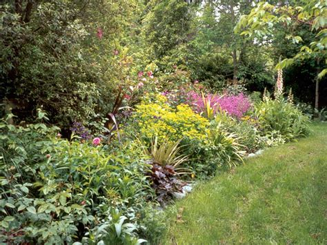borders for flower gardens garden border pictures