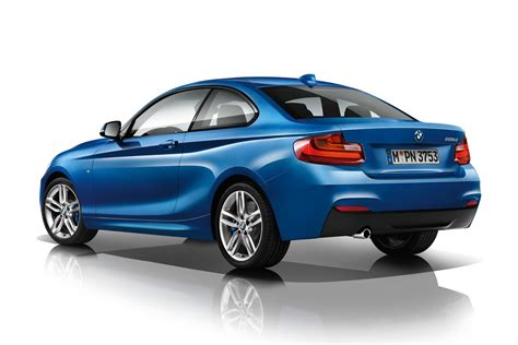Bmw 1er Coupe Test by Bmw 2 Series Coupe Takes On 1 Series Coupe In Our Visual