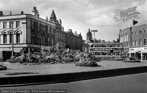 wakefield first photo of wakefield the bull ring c 1960 francis frith
