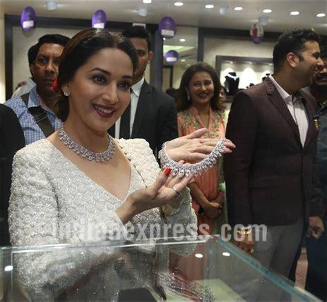 Kalung India Smj 184 buka bisnis baru madhuri dixit bergelimang perhiasan mewah kapanlagi