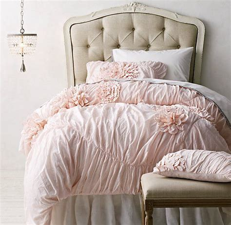 Vintage Bedspreads And Comforters by 17 Best Ideas About Vintage Bedding On Vintage