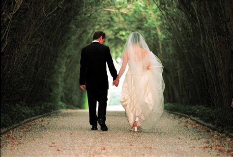 Bridal And Groom Pics by And Groom Walking Wedding Pics
