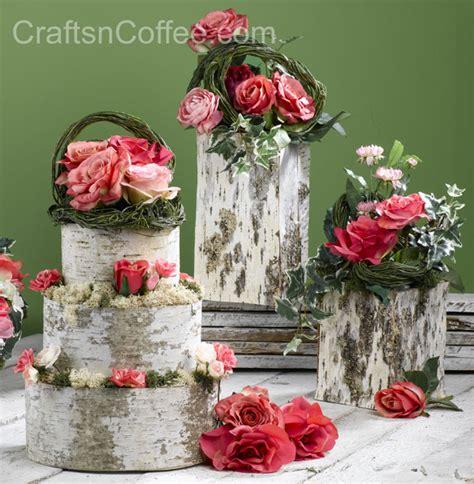 how to make cake centerpieces create beautiful diy wedding d 233 cor bake a birch bark