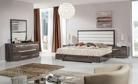 Italian Bedroom Furniture Modern Vig Furniture Bedroom Set Vgaccapulet Sectionals