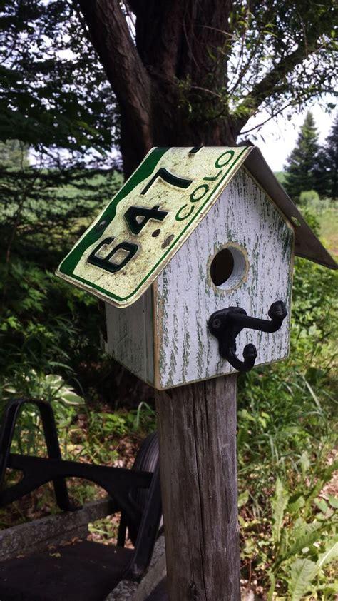 live roof birdhouse 25 best ideas about birdhouses on building