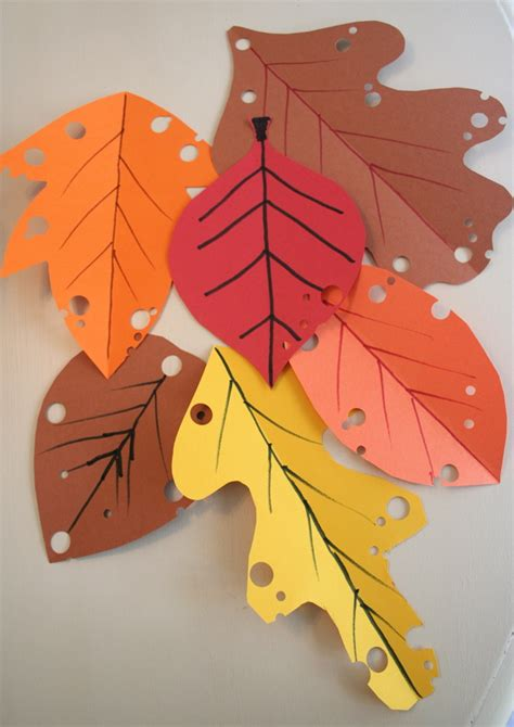 Paper Leaf Craft - mmmcrafts easy autumn leaf craft