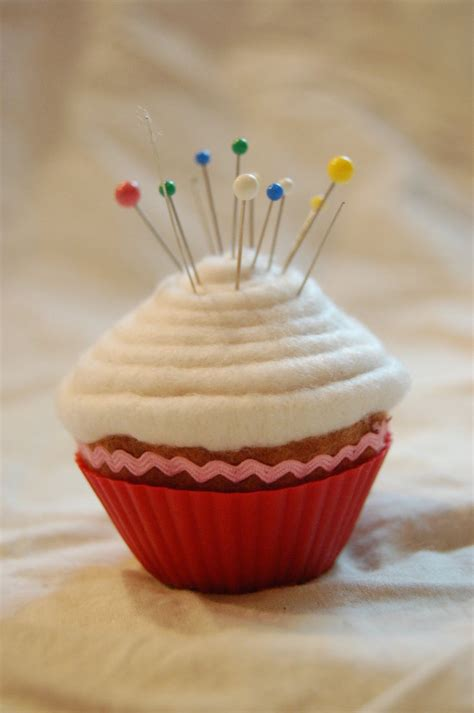 Pinchusion Cup Cake cupcake pincushion by melliloquence on deviantart