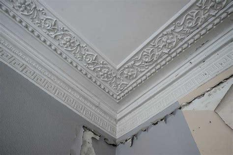 Angle Moulure Plafond poser des moulures au plafond
