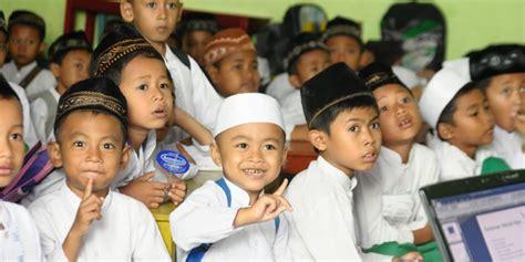 Mutiara Ibadah Anak Anak 1 pentingnya bermain bagi anak dalam pandangan islam aswaja muda