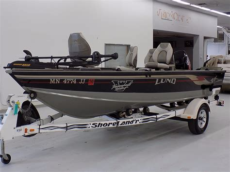 boat rental saint cloud mn 2002 lund 1775 pro v tiller 17 foot 2002 lund boat in