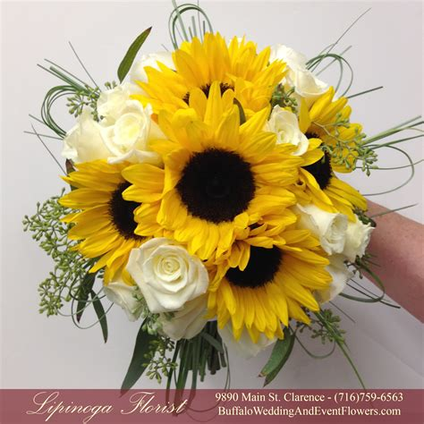 Bouquet Florist by Yellow Buffalo Wedding Event Flowers By Lipinoga Florist