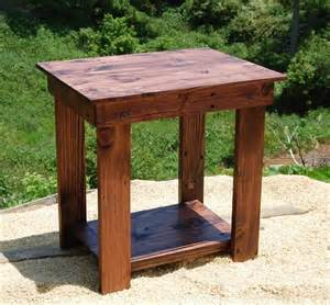Pallet Side Table Diy Pallet Side Table End Table And Bedside Table 101 Pallets
