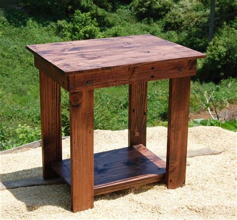 diy pallet side table end table and bedside table 101