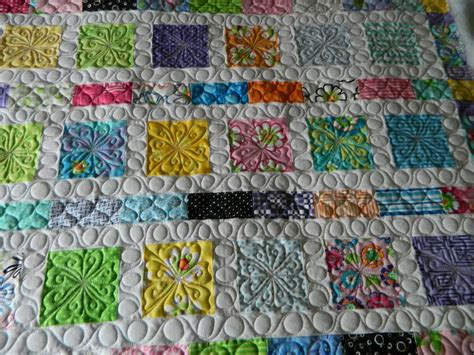 Packing Quilts by 17 Best Images About Quilt Charm Pack On Patterns Fabrics And Baby Blankets